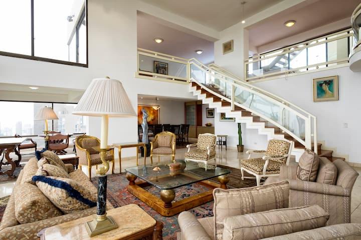 Spectacular Penthouse San Isidro Lima Golf Club