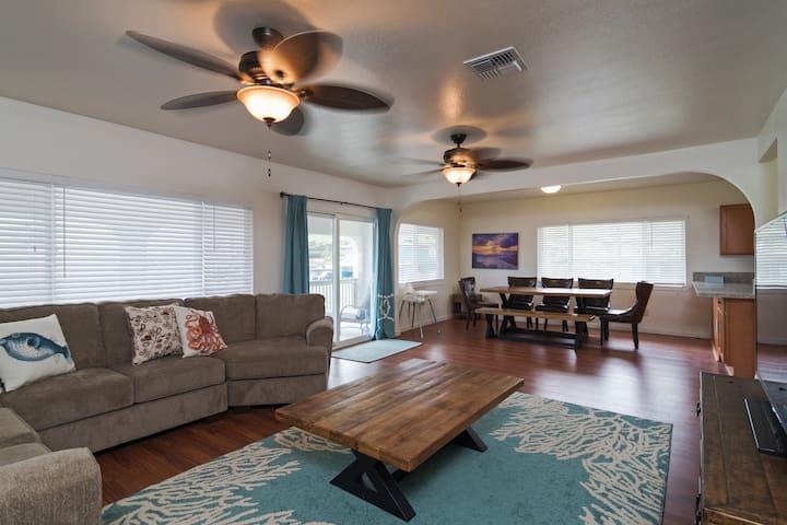Spacious North Shore Retreat, 30-day rental
