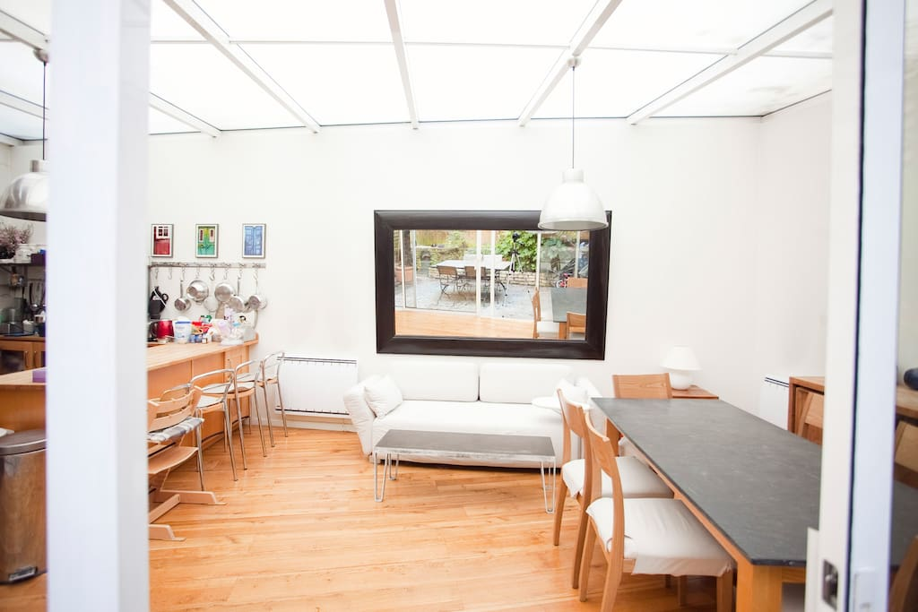 Appartement 2 chambres avec jardin xvie apartments for for Appartement avec jardin paris