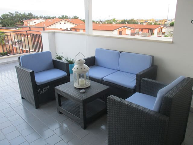 Nice apartment with large terrace - Giardini Naxos - Apartment