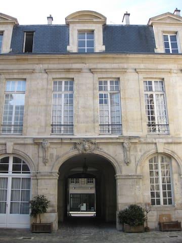 """Charming flat in """"le Marais"""","""