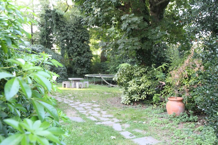 House with garden 15mn from Paris - Bourg-la-Reine