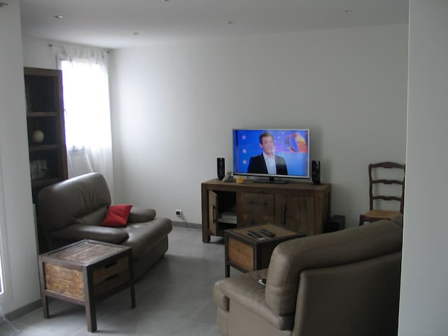 Appartement villa candice flats for rent in clamart le for Appartement clamart gare