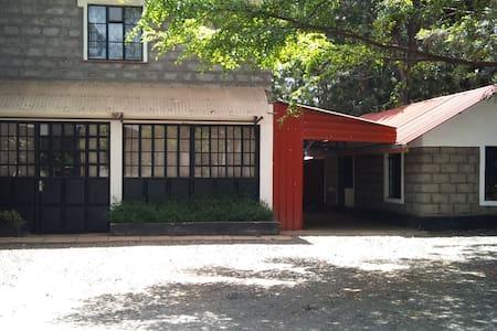 Home away from home 2Bd Rm Apt - Nairobi