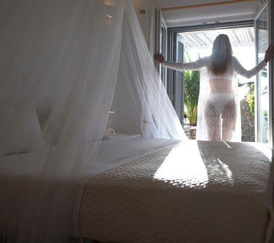 Villa E- Master Bedroom