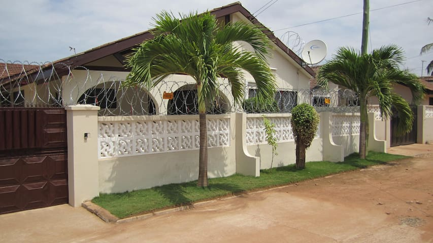 Atrractive Vacation Home Accra - Accra - Huis