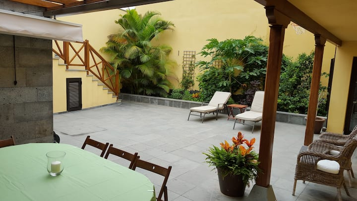 Family House in Historic Garachico (6 people)