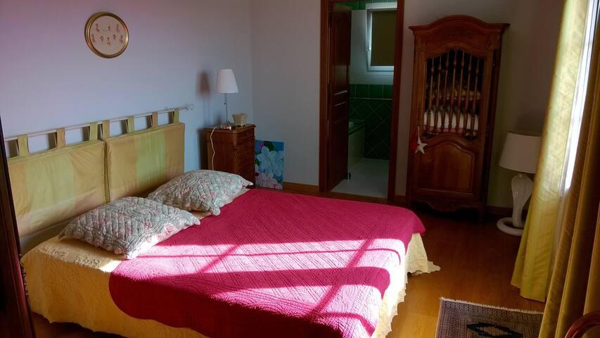 Chambre privée avec solarium - Vézénobres - Haus