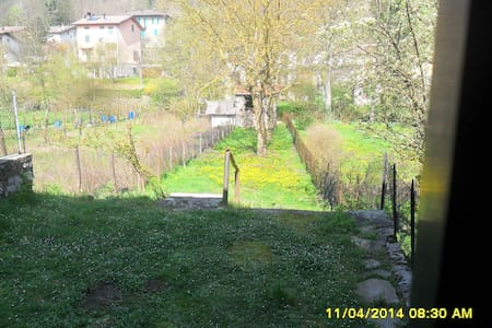 casa indipendente + ampio giardino - Montepiano