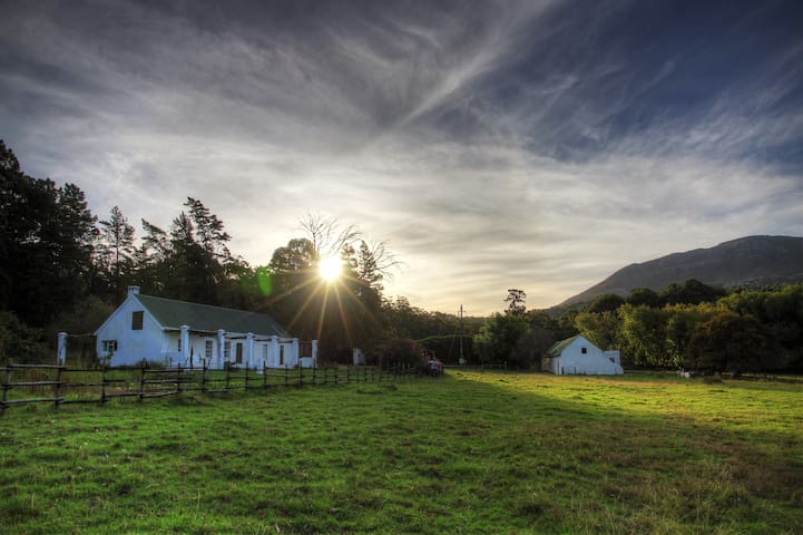 Hermanus River Farmhouse