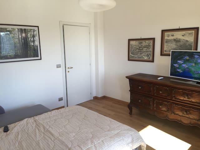Affittasi stanza centro di Saluzzo - Saluzzo - Apartment