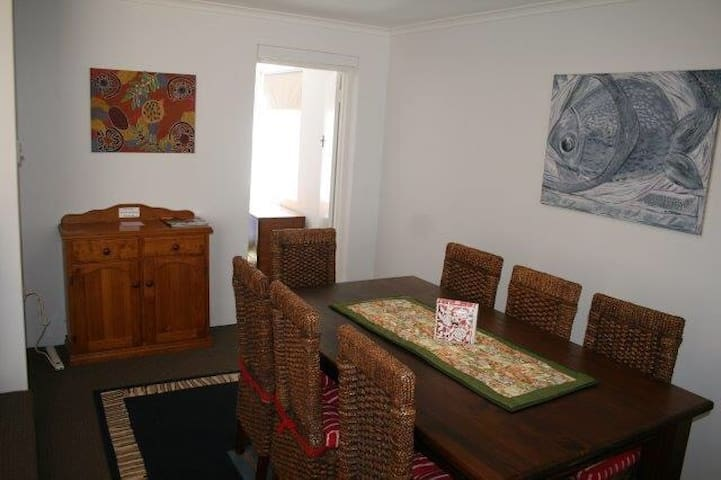 Self contained 4 bedroom house - Morley - Dům