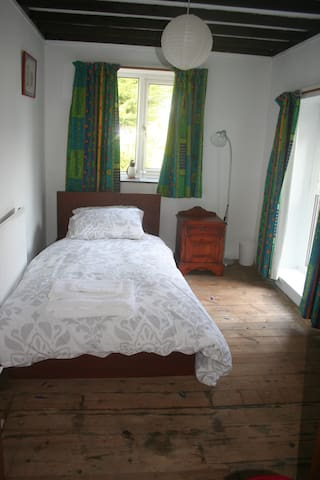Single Bedroom - Tingewick - Ev