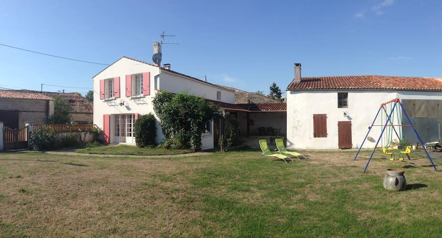 Gîte charentais - Tonnay-Boutonne - Casa