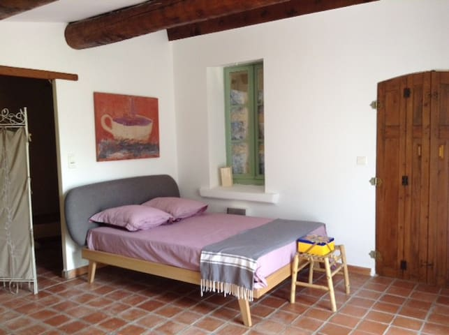 Bedroom between Aix & Marseille - Gardanne - House