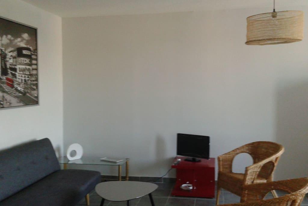 Appart extra muros pr s de la ville apartments for rent for Appart city avignon