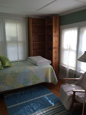 1. Sun filled Twin bedroom.