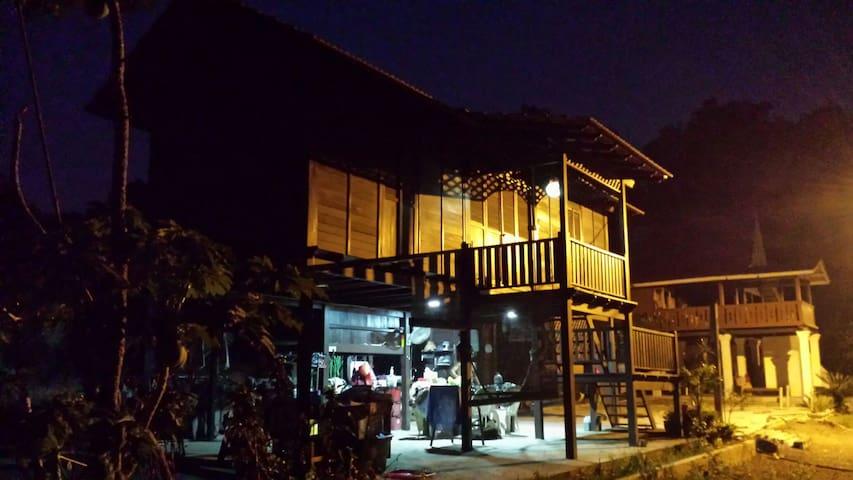 Rumah Melaka or Kampong  - Farmstay - Alor Gajah - Huis