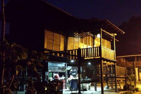 Rumah Melaka or Kampong  - Farmstay - Alor Gajah - Haus