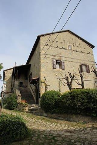 CASA IN SASSO DEL '400 IN BORGO - Casa Nadino - Apartamento