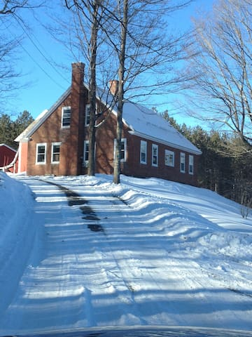 Beautiful Apple Orchard Farm House - Hartland - Rumah