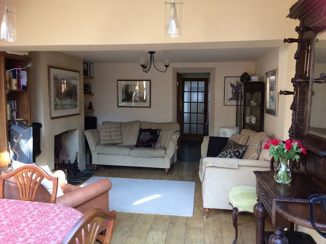 Balcombe Holiday Cottage