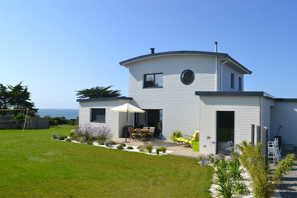 Maison en bois au bord de mer houses for rent in land da for Maison en bord de mer