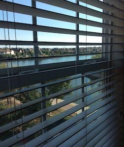 Beautiful apartment w/ lake view - Apartment
