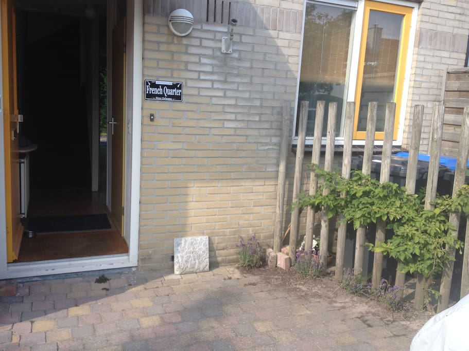 Entrance, front door.