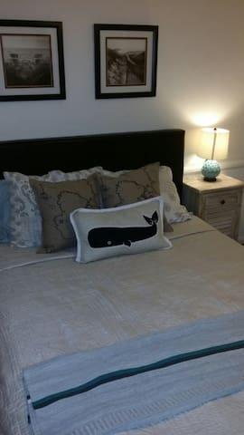 Newport Mesa Bungalow 1 Bedroom APT - Costa Mesa
