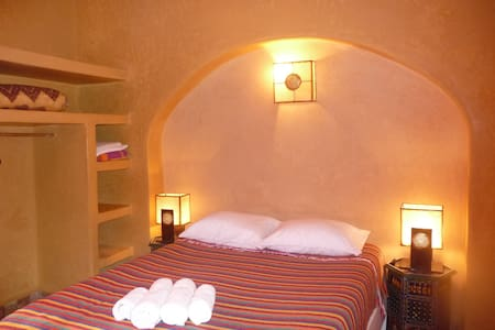 Large studio in a riad with pool - Ounagha