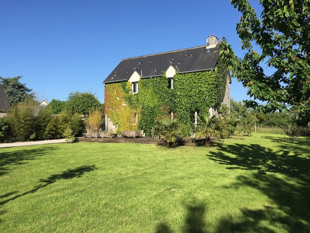 Lovely house in the countryside - Heugueville-sur-Sienne - House