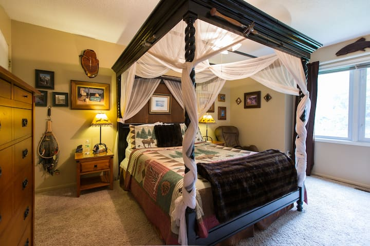 PEACEFUL HAVEN B&B - Lodge Room - Des Moines - Bed & Breakfast