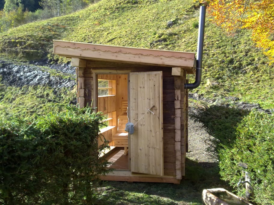 tauernwelt almh tte outdoorsauna chalets zur miete in fusch salzburg sterreich. Black Bedroom Furniture Sets. Home Design Ideas