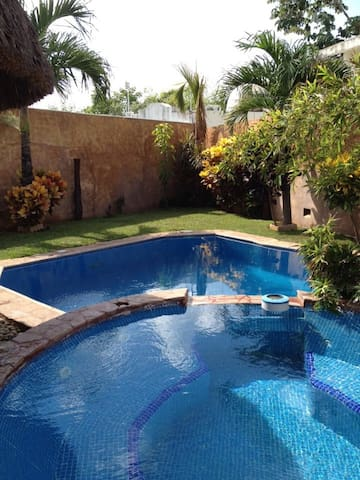Cancun Residence in the City - Cancún - House