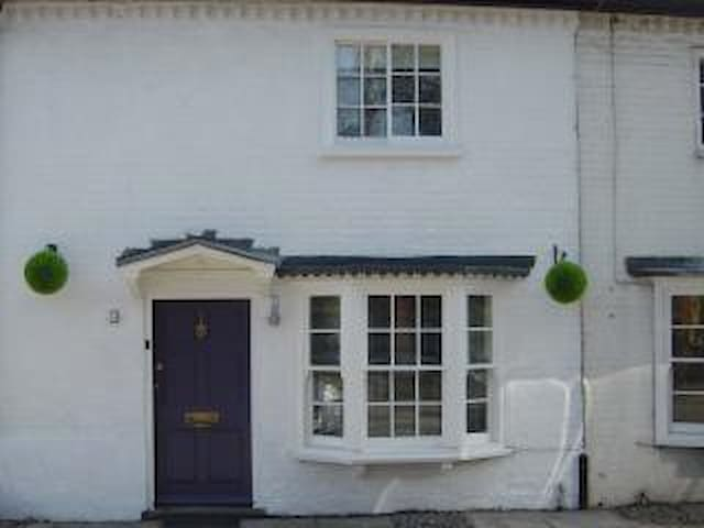 Cottage in Henley On Thames