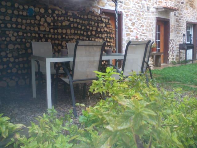 Casa para 2 personas con jardín. - Pomar de Valdivia - Huis