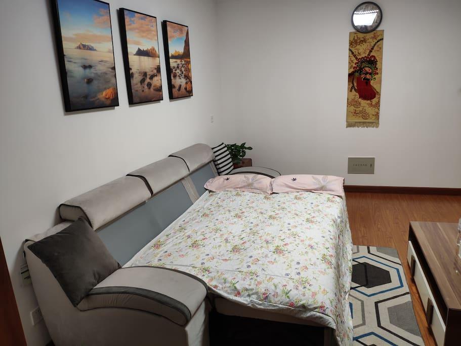 沙发床(打开为2.7m*1.7m双人床一张)