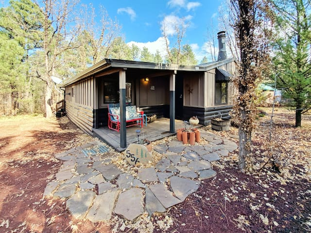 Adorable Cabin on Billy Creek!