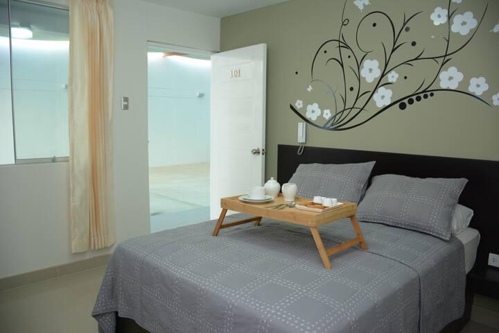 """Habitación cama grande con tv de 42"""""""