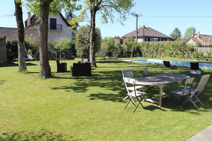 Maison familiale face aux Pyrénées