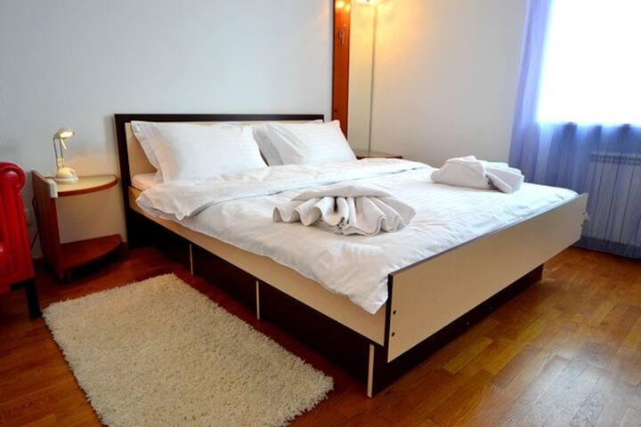 TWO BEDROOM FLAT FOR RENT KIEV  - Kiev - Casa