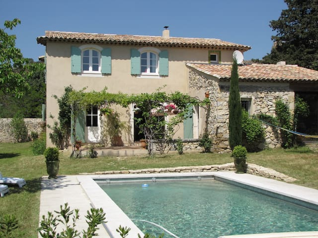 Wonderful stylish house with pool - Mérindol / Puget - House