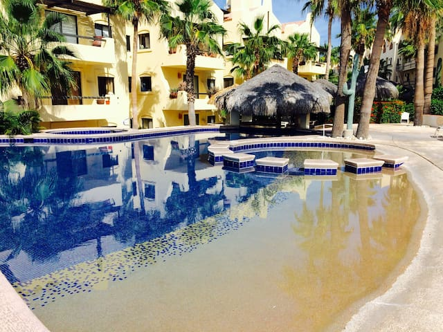 Hotel Zone/2 Blocks to Beach! - San José del Cabo - Apartment