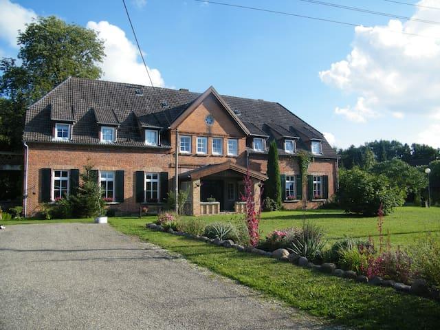 GutshausDämelow,bei Wismar-Schwerin - Dämelow - Byt