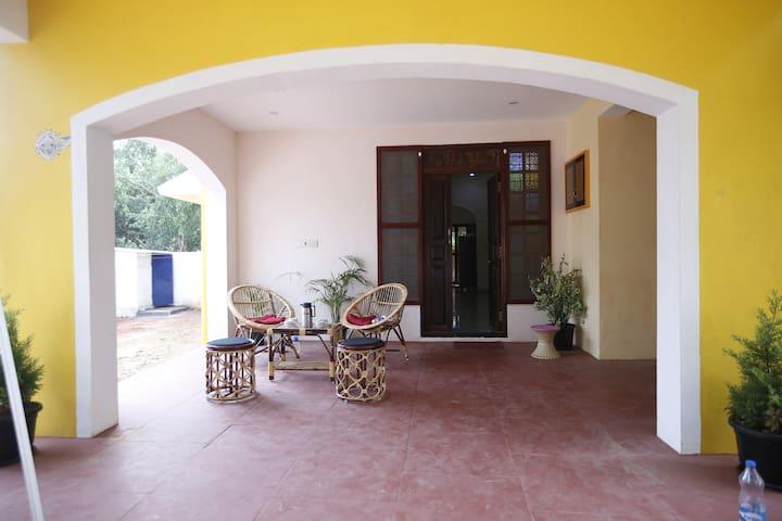 Ground Floor entrance/Portico