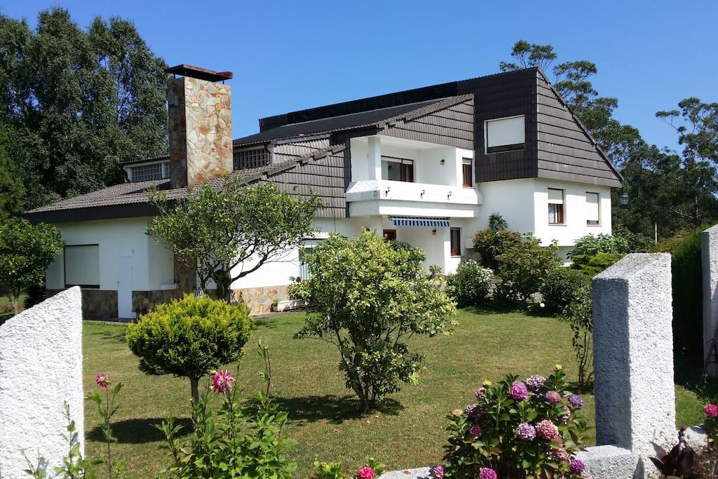 Casa moderna en zona rural casas en alquiler en el for Casa moderna espana