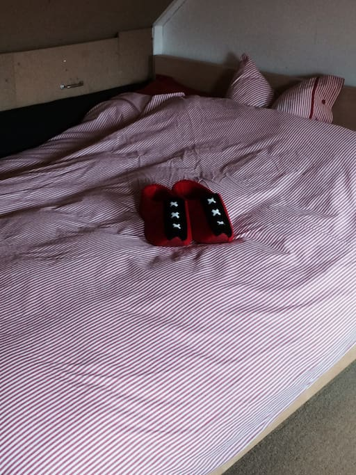 One double bed.
