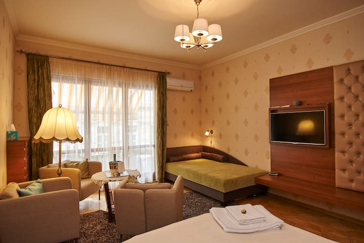 Luxury apart in Budapest true heart - TOP LOCATION - Budapest - Appartement