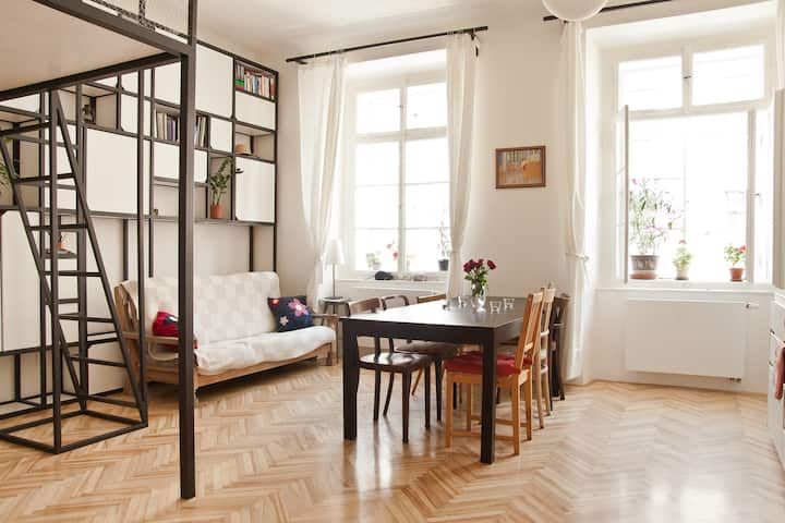 Lovely Old Town Apartment